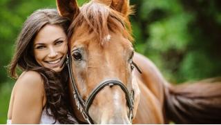 Конные прогулки на частной конюшне «Эквилого» для одного или двоих, для детей и взрослых! Скидка до 65%!