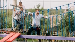 Посещение веревочного парка в Подмосковье для детей и взрослых от компании «Квадро-тур»! А еще спуск на троллее! Скидка 72%!
