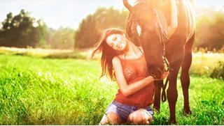 Фотосессия с лошадьми и конные прогулки в будни и выходные в частном конном клубе «Усадьба» со скидкой до 74%!