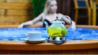 Premium SPA-девичник с проживанием в номере категории комфорт, СПА программой и посещением бани в Отеле Chalet Country Club!