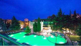 Оздоровительный отдых для одного или двоих в санатории «Славутич» в Алуште! Заезды по 30 апреля 2020!